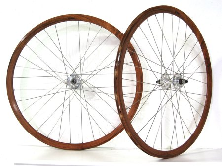 Over-The-Top Deep V Track Wheels i Teak. So Wrong It's Right?