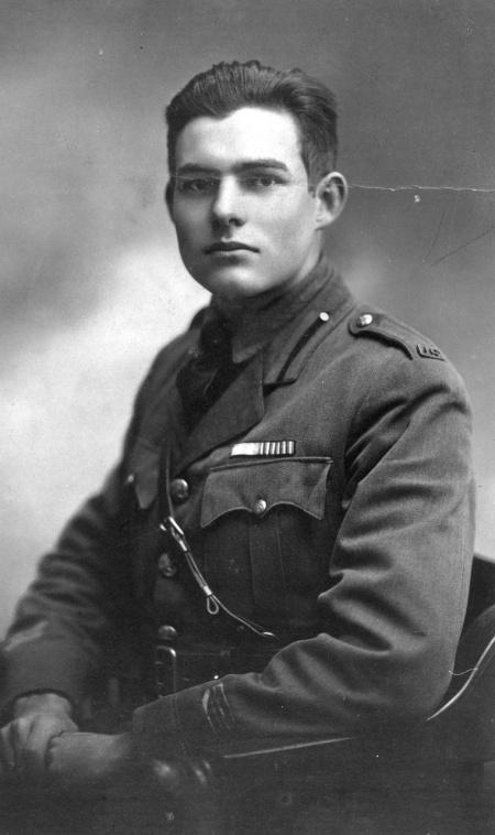 Hemingway i Milano som frivillig i det amerikanske Røde Kors, 1918