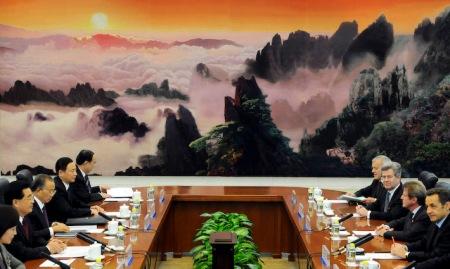 Frankreichs Präsident Nicolas Sarkozy und Chinas Staatschef Hu Jintao bei Verhandlungen in der Großen Halle des Volkes in Peking.