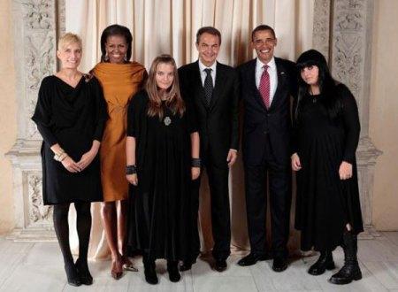 Plutselig husket den spanske statsministeren at hans to døtre er goth'ere...